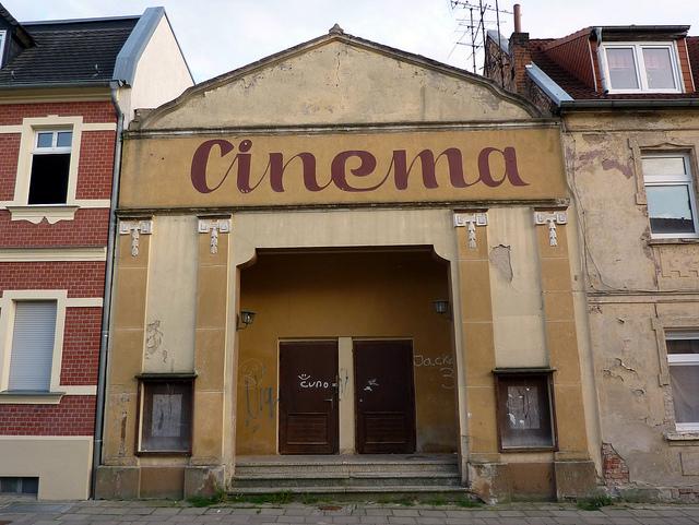 Barby Cinema par  herr.g. CC BY-SA. Source : Flickr
