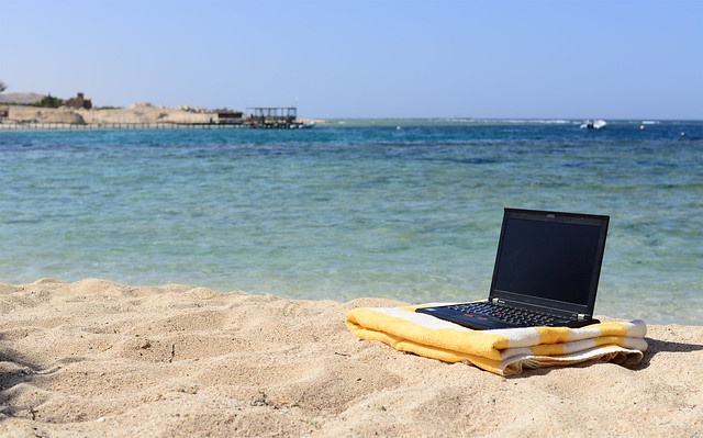 Laptop Beach par Laura Hoffmann CC-BY Source Flickr