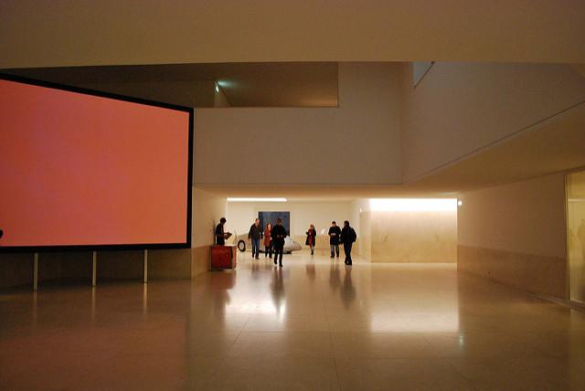 Fundación Serralves par Carmen Alonso Suarez. CC BY-NC-ND. Source : Flickr